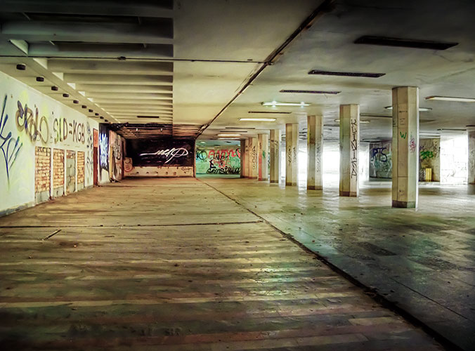 fabryczna-underpass-inside-shops
