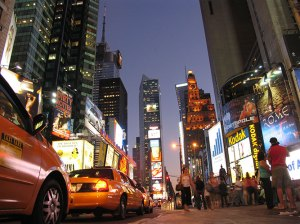 New-York-Times-square-night2-stop-bg