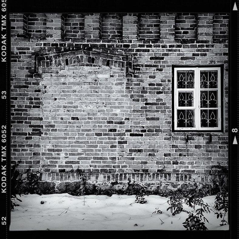 Bricked-Door-Kodak-Frame