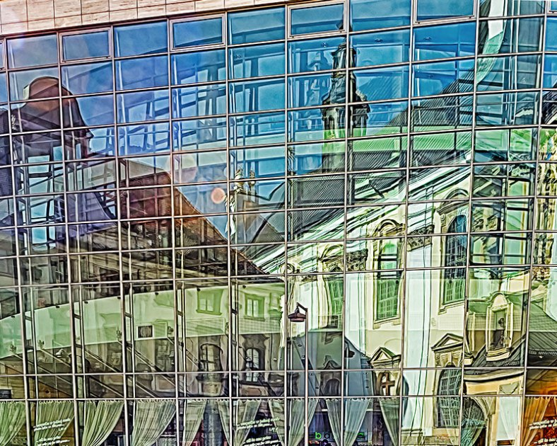 Re-edit-Wroclaw-reflection