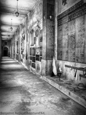 2010-warsaw-memorial