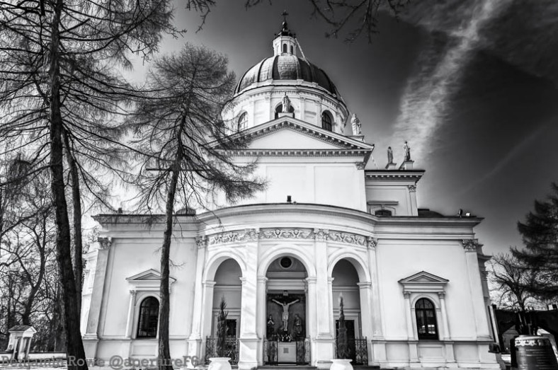 Church Wilanow Black and White