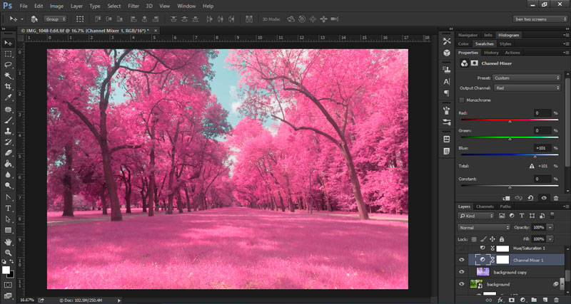 how to make pink-green chromatic abberation in photoshop