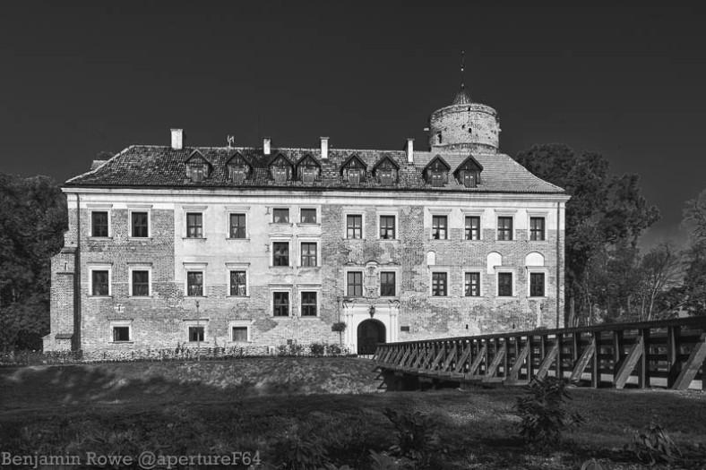 Uniejow Castle